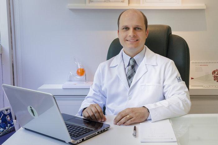 Dr. Giovani Barum